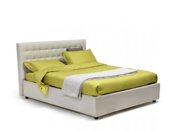 Κρεβάτι VENERE με τετραγωνικές ραφές και μαλακό κεφαλάρι